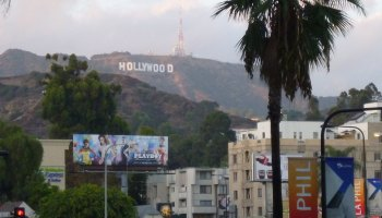 """""""Hollywood"""" by Shinya Suzuki is licensed under CC BY 2.0"""