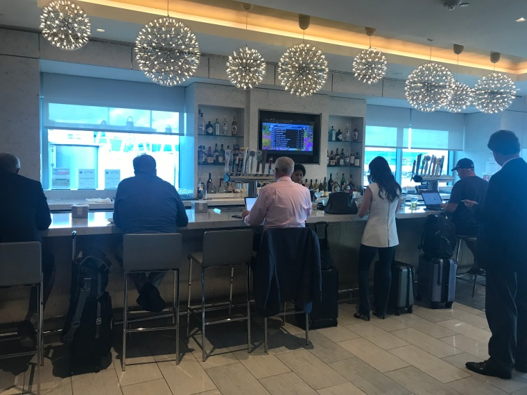 A review of the United Club IAH Terminal C North!